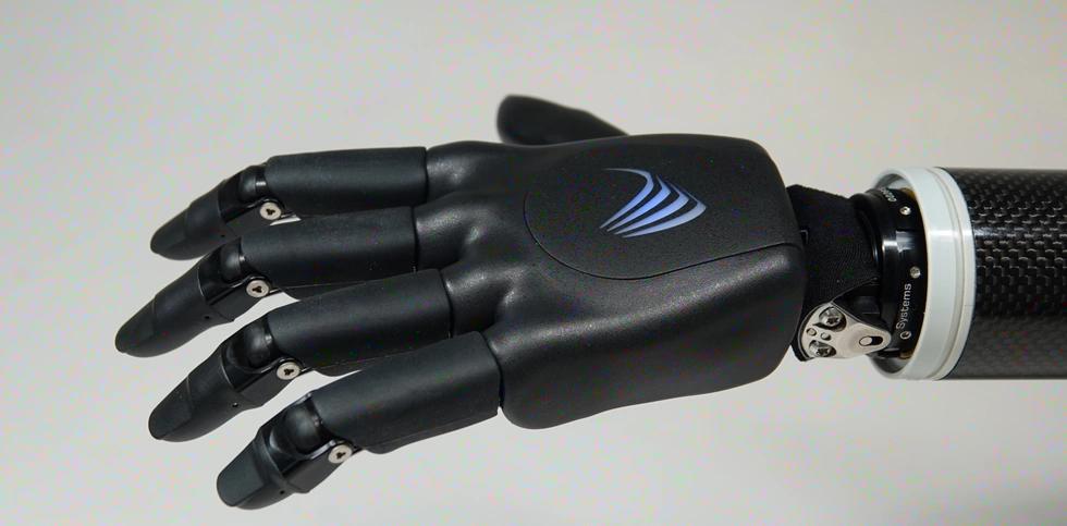 VINCENTevolution4VINCENTevolution4 явила собой следующее поколение наших самых популярных миоэлектрических протезных кистей. Конструкция имеет по сравнению с предыдущей версией новый дизайн и функциональность, например «сжимаемые» пальцы и уникальное 4-канальное управление, и в качестве изюминки - это наш первый водонепроницаемый протез руки IP68.
